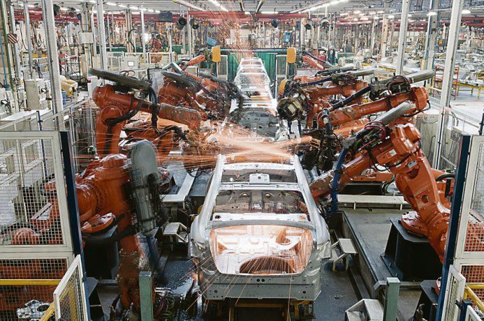 por qué es caro producir autos en el país